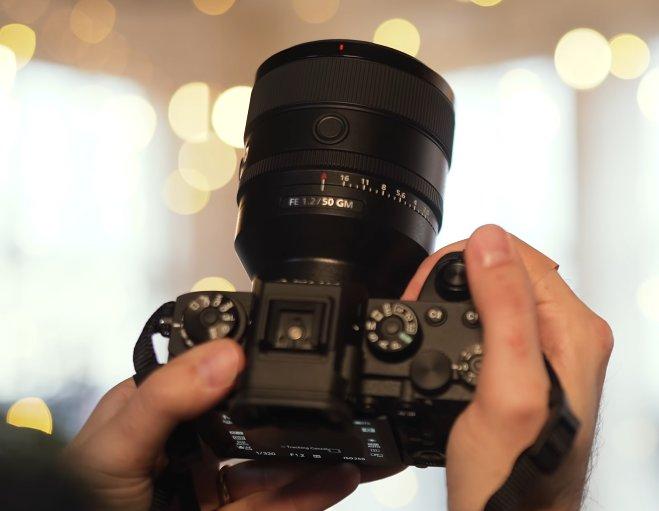 Sony FE 50mm f1.2 G Master Nice Grip