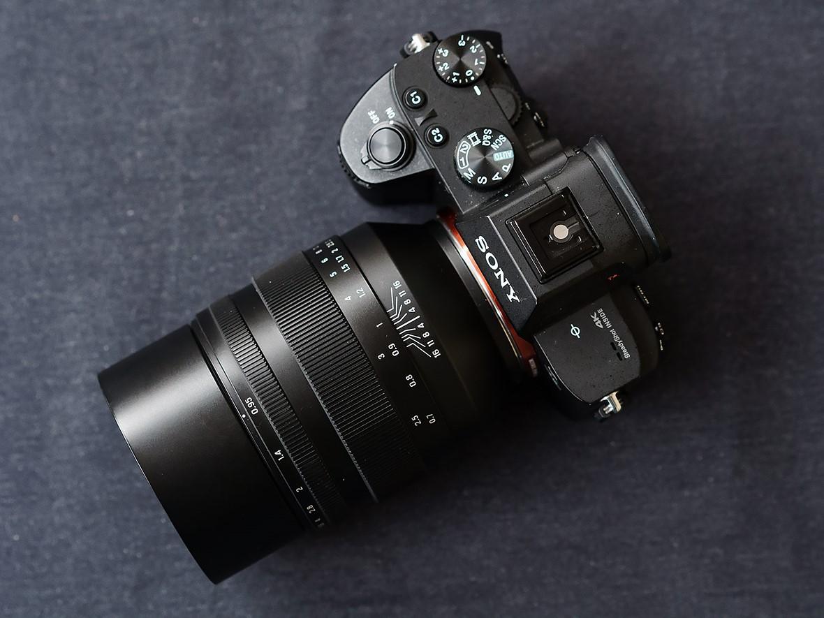 Zenit-50mm-f0.95-lens.jpeg